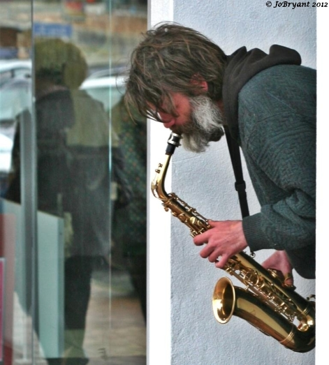 Man playing saxaphone