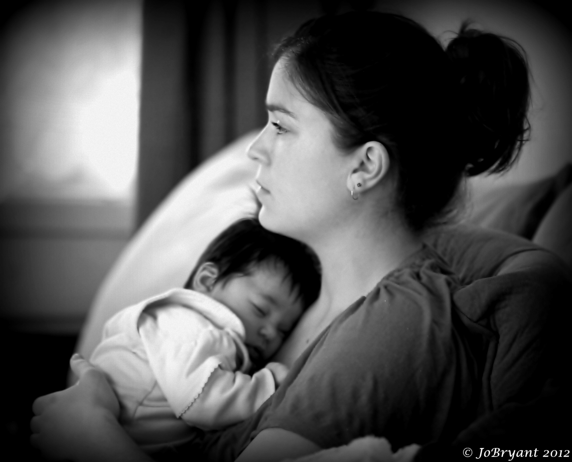 B & W mother and baby