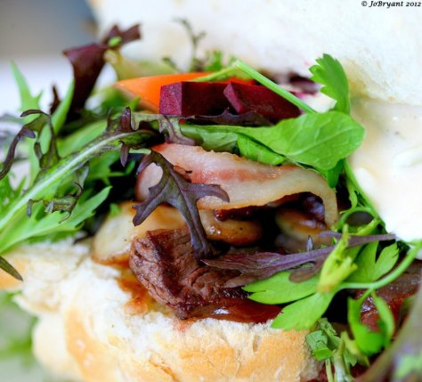 It's my birthday month and what better way to celebrate than a yummy steak sandwich with a friend for lunch.