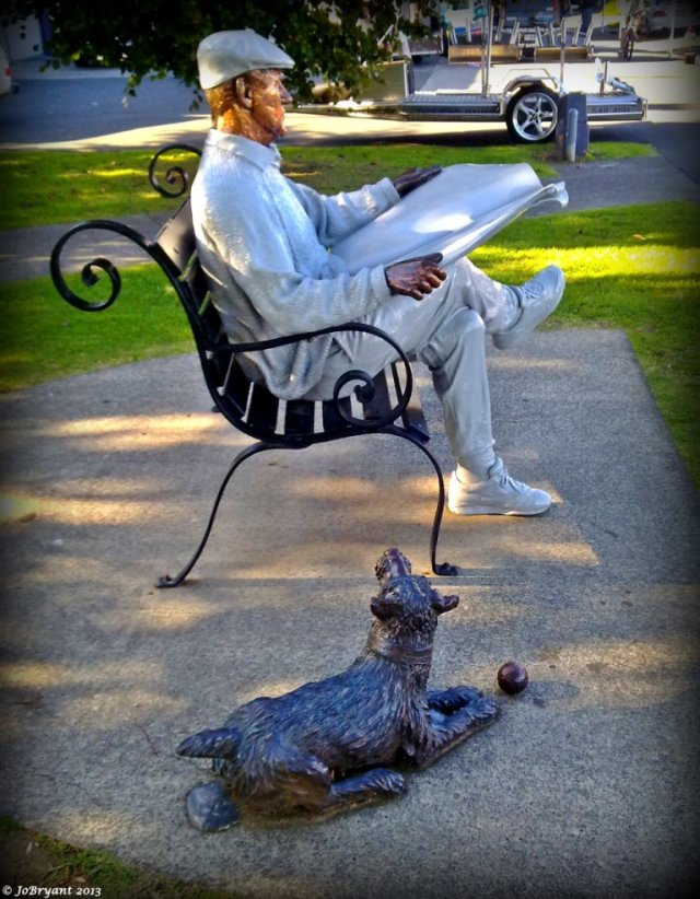 Our local statue of Barry and his faithful companion.